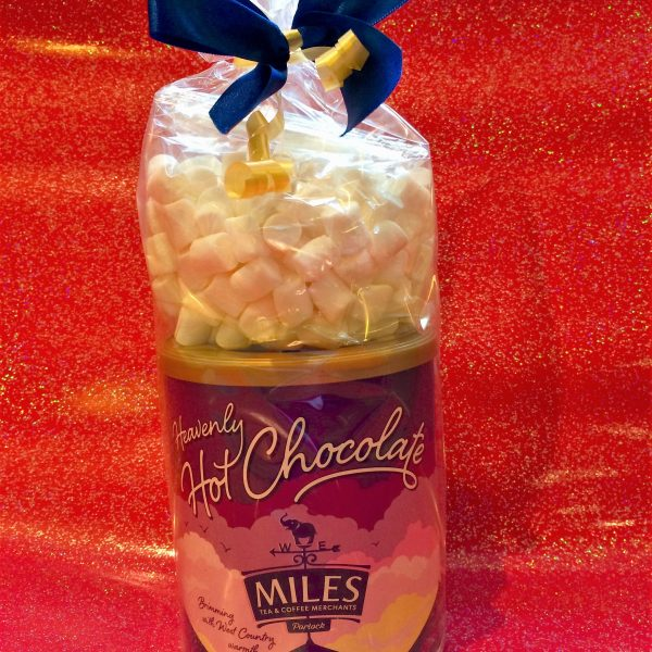 hot-chocolate-and-marshmallows-gift